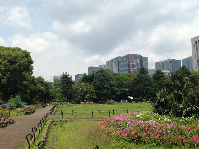 日比谷公園の第二園庭はひっそりしていて好きな空間です。[by uechin @2015/06/25 12:11:44]