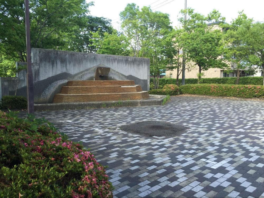噴水と広場