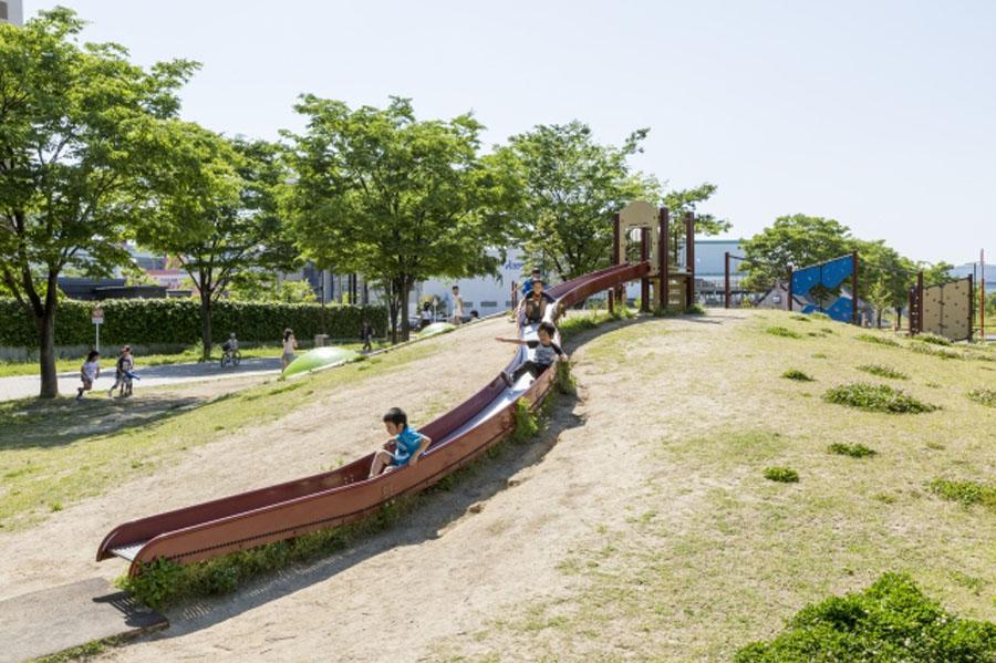 東田大通り公園(福岡県北九州市)